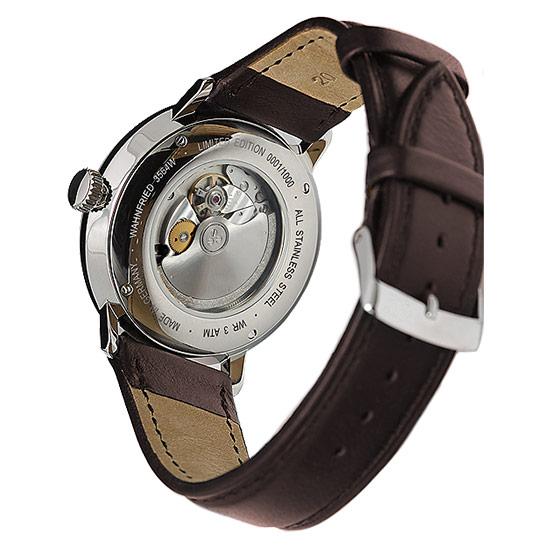 Foto: Armbanduhr, sog. Wahnfried-Uhr