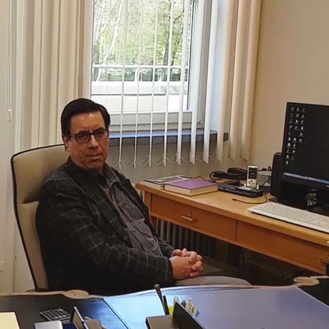 Foto: Museumsdirektor Dr. Sven Friedrich in seinem Büro im Obergeschoss des Siegfried Wagner-Hauses