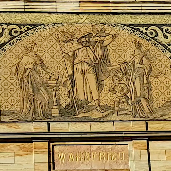 Foto: Sgraffitto an der Fassade von Haus Wahnfried