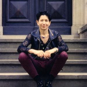 Foto: rosalie auf der Treppe vor Haus Wahnfried, 1994